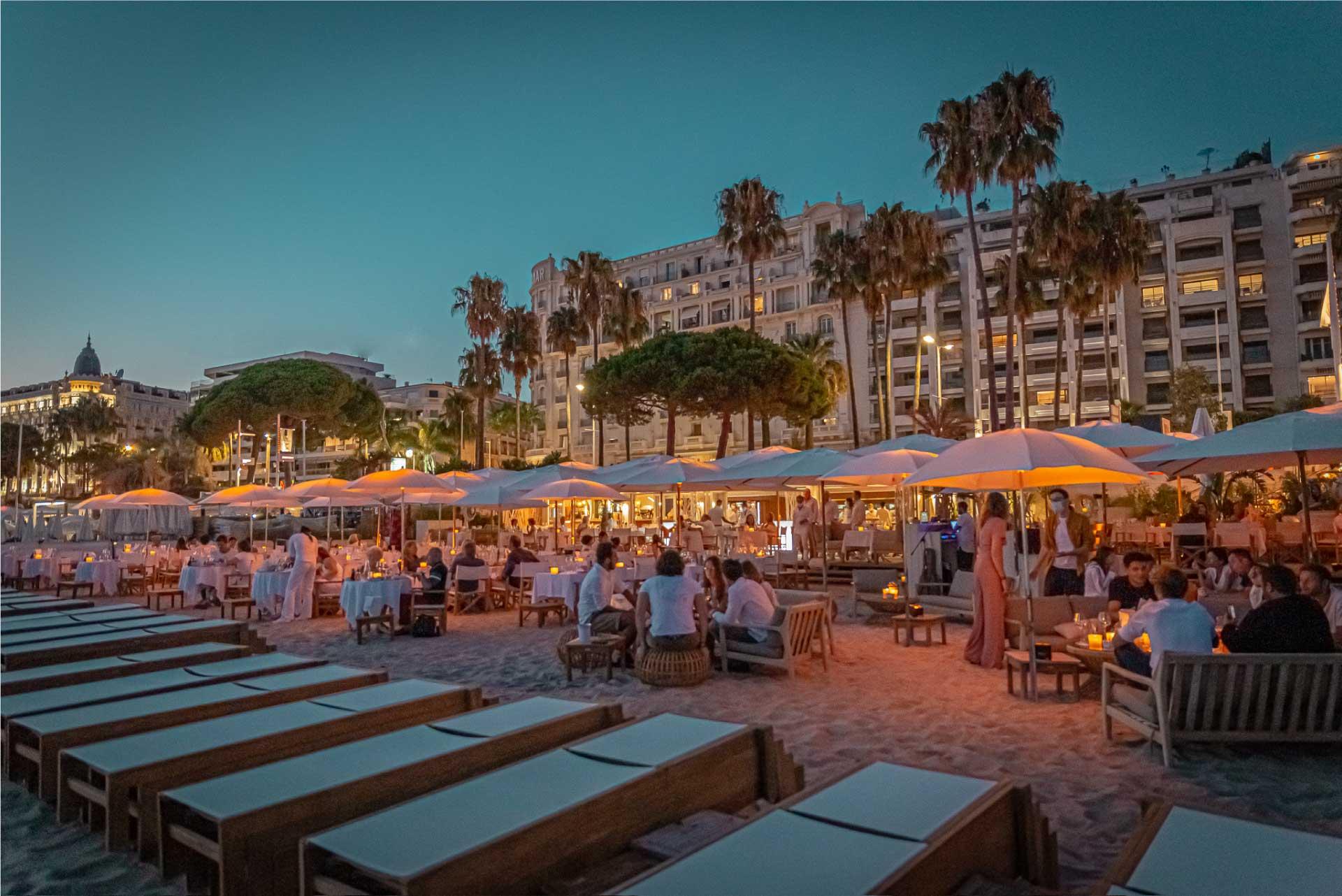 Miramar-plage-restaurant-gastronomique-cannes-nuit